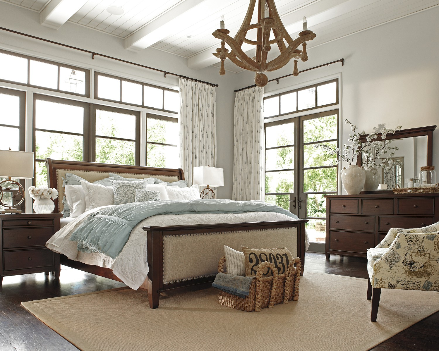 Interior Design Tips For Couples With Eclectic Style .