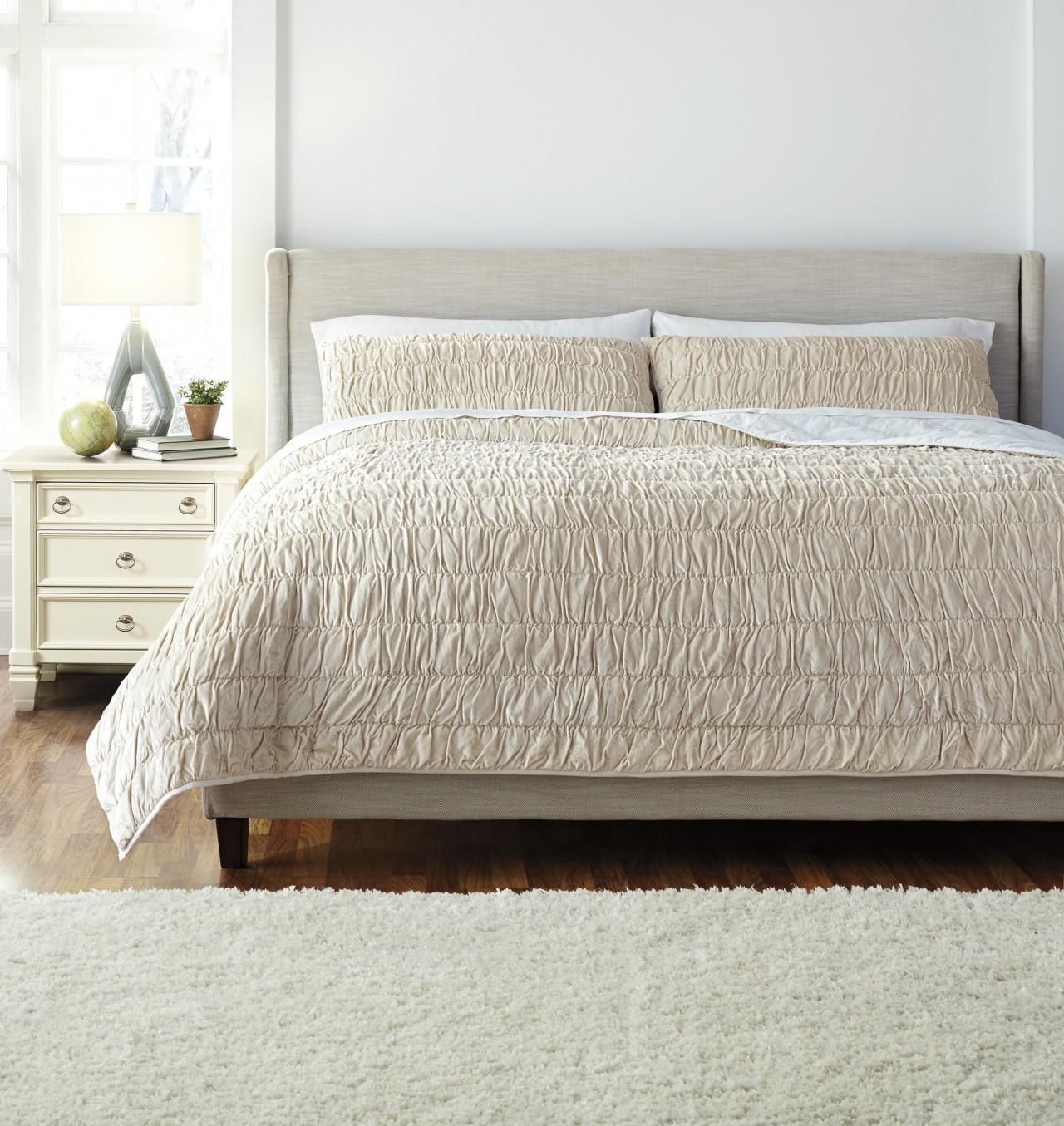 Decorating your bedroom the new neutral palette ashley for Neutral palette bedroom