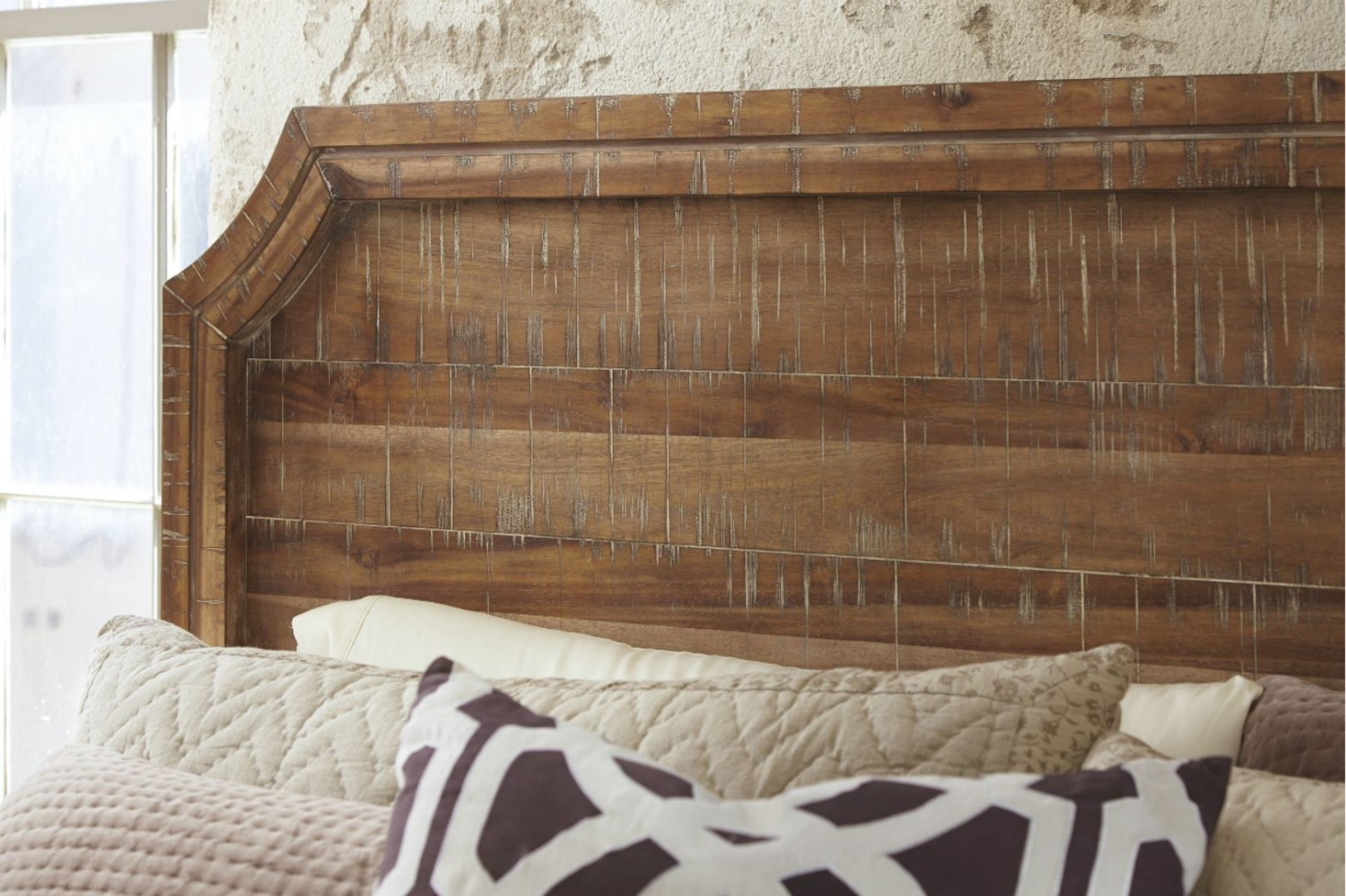 Franzere Queen Panel Bed