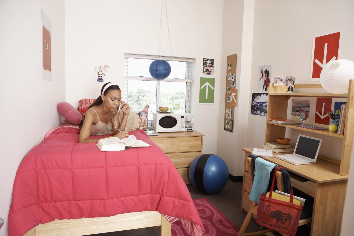 Living Room Do S And Don Ts: 5 College Dorm Room Dos And Don'ts