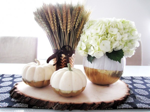 Gold-Dipped-Pumpkins-Centerpiece-1024x768-600x450