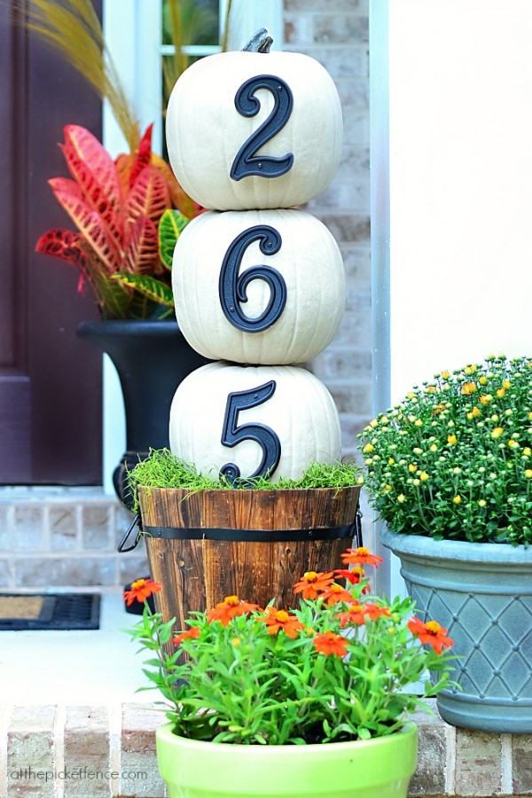 House-Numbers-Pumpkin-Topiary-600x900