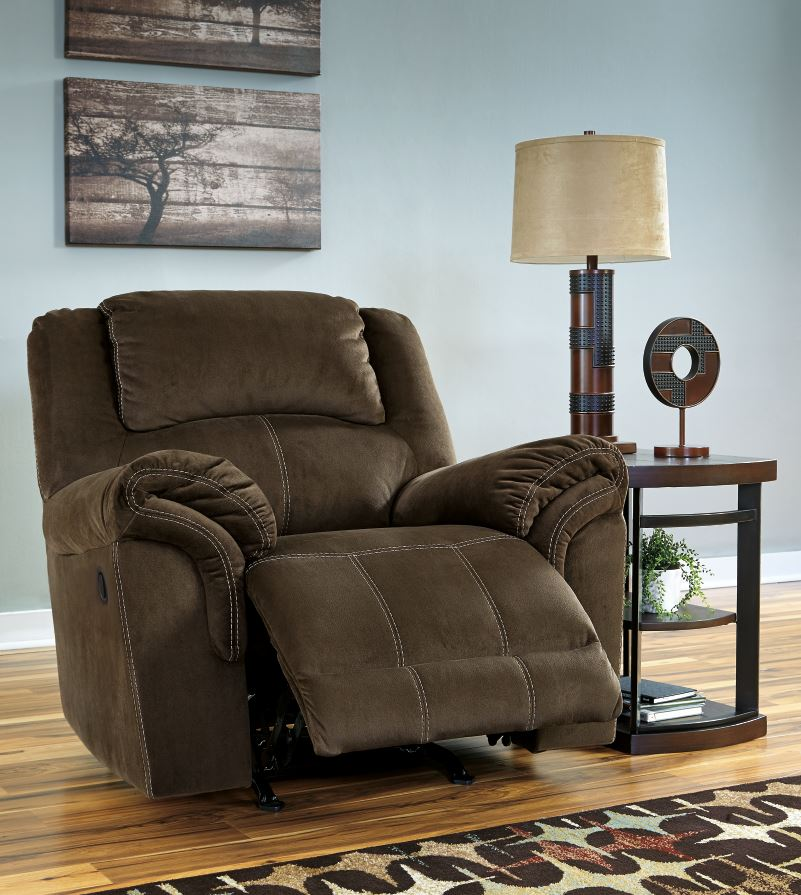 Ashley Furntiure: Ashley Furniture Clearance Sales 70% OFF
