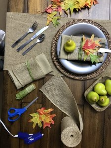 Fall table setting arrangement