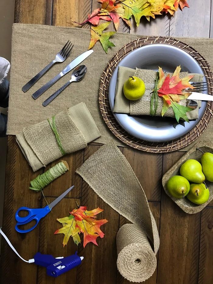 Fall table setting arrangement
