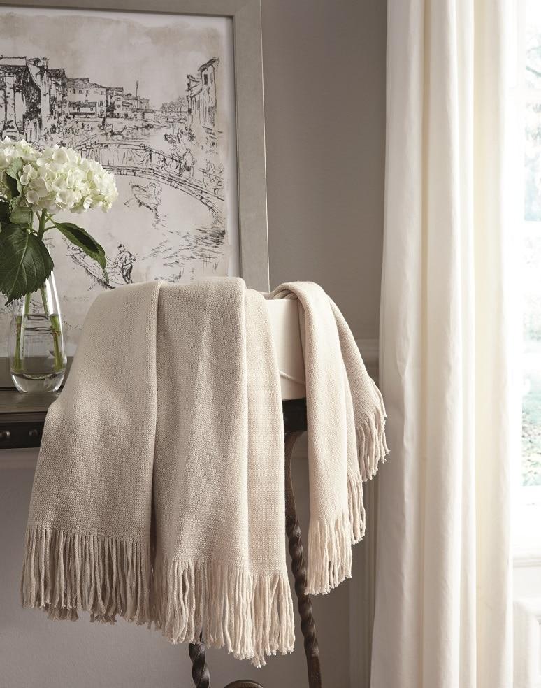 ivory white throw blanket with fringe