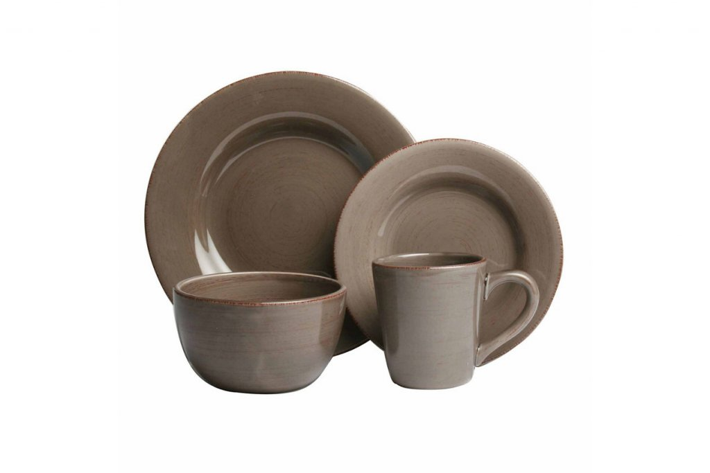 tan dinnerware