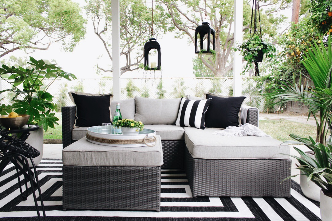 Best Furniture For Small Outdoor Es