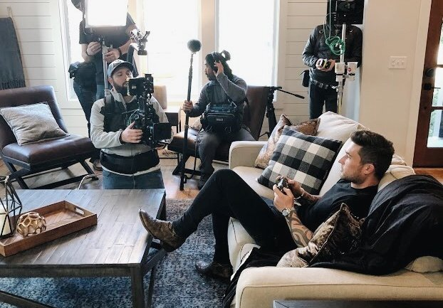 michael ray playing video game